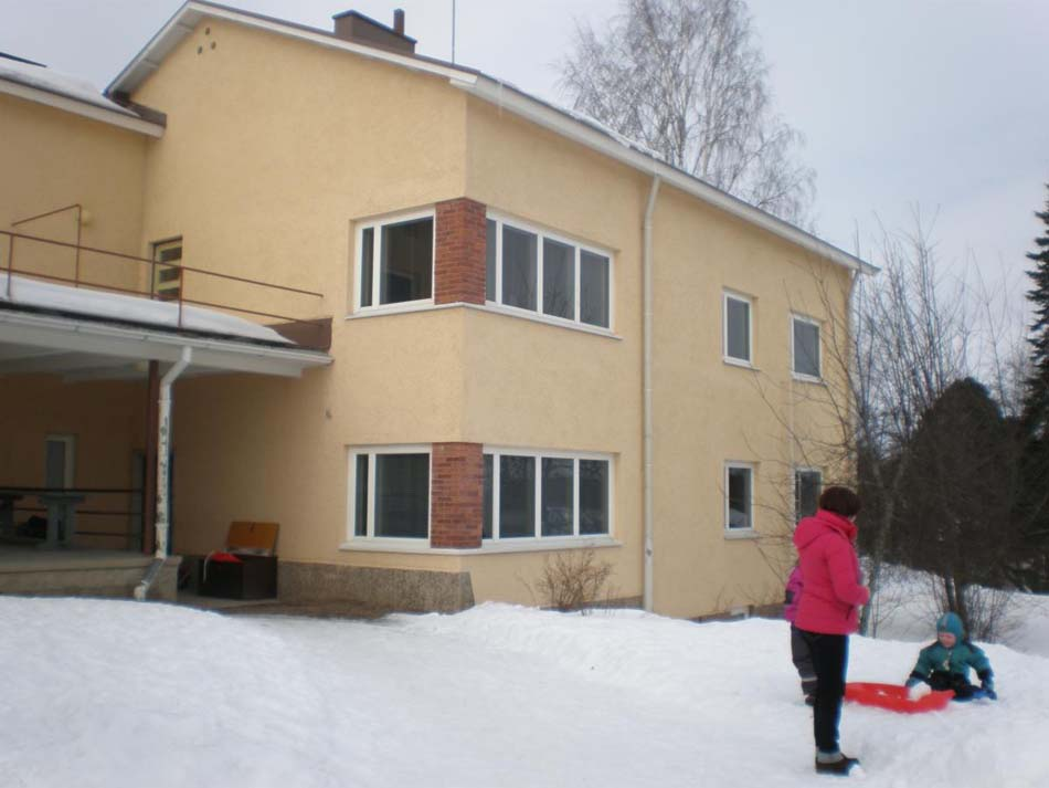 a picture of Luopioinen Centre Preschool during the winter