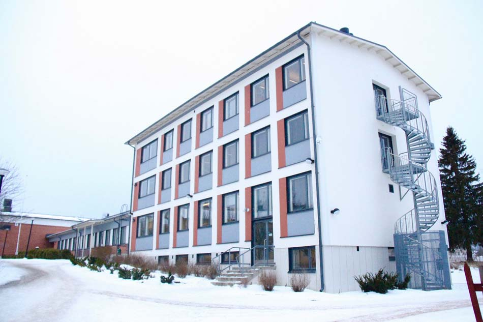 a picture of Anna Tapio School during the winter